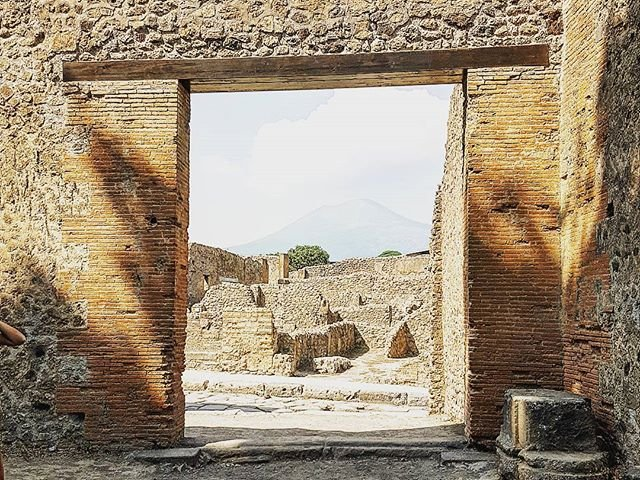 wall ruin in Pompei