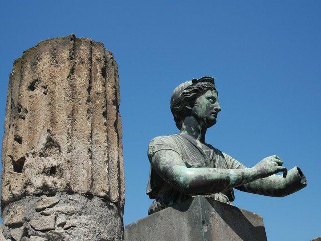 statue-pompeii