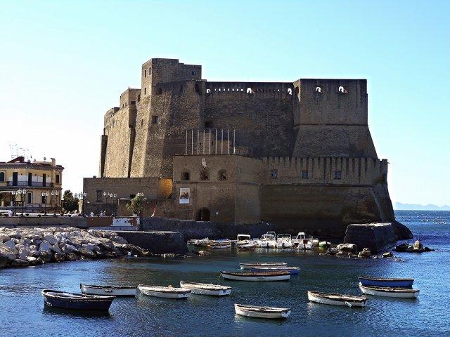 castel dell ovo Naples