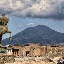 naples to pompeii to positano