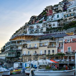 cabs in positano